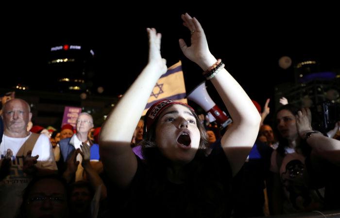 Тысячи израильтян выразили протест против предоставления Нетаньяху иммунитета
