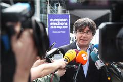 Объявленный в розыск в Испании Пучдемон прошел в Европарламент