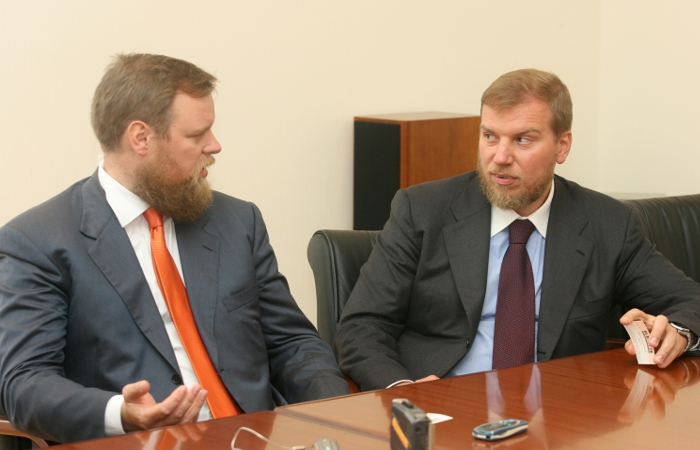 Суд арестовал активы Ананьевых на 282,2 млрд рублей по иску Промсвязьбанка
