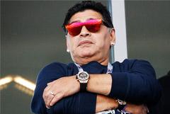 Марадона призвал МЮ нанять его главным тренером