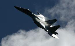 Российский Су-35 три раза перехватил самолет США над Средиземным морем