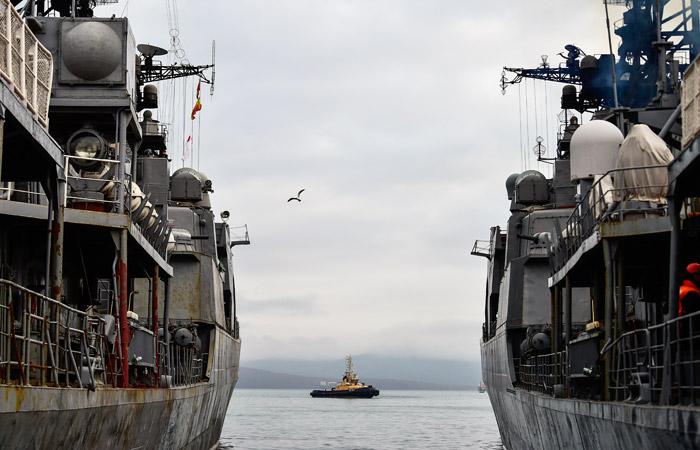 Зачем крейсер США «подрезал» русский корабль— Хозяева морей