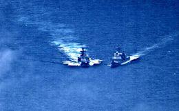 Опубликовано видео сближения кораблей РФ и США в Филиппинском море