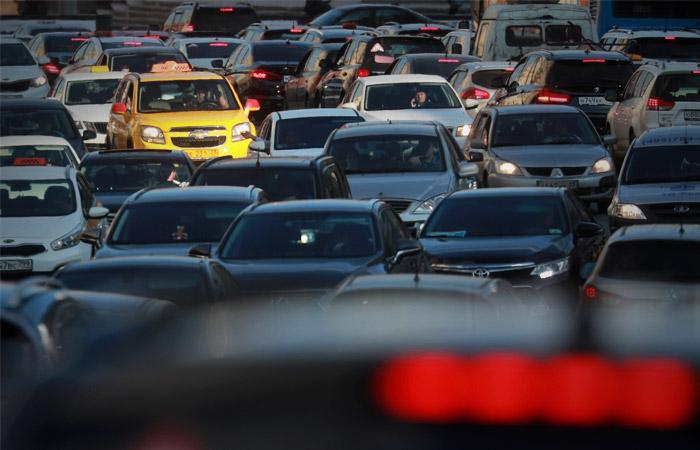 """""""Коммерсантъ"""" узнал о нежелании таксистов принимать заказы в центре Москвы"""