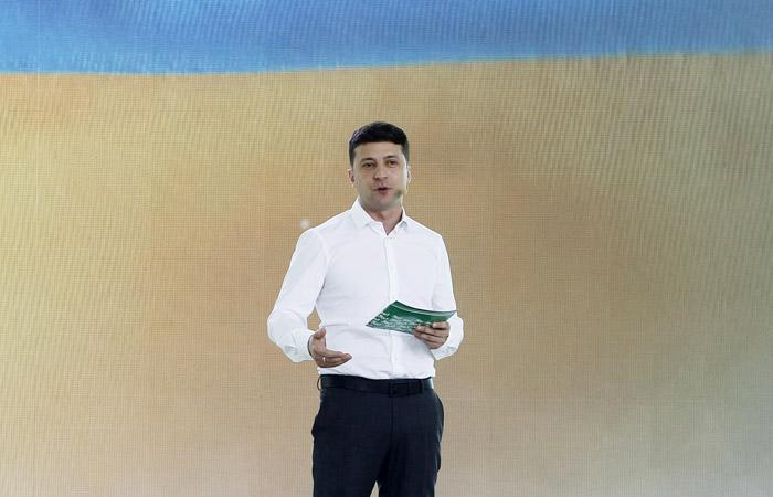 Зеленский собрался сменить всех губернаторов на Украине