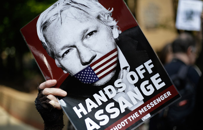 В МВД Великобритании подписали запрос США об экстрадиции Джулиана Ассанжа