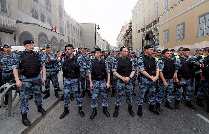 Полиция получила жалобу на избиение подростка, задержанного на акции в поддержку Голунова