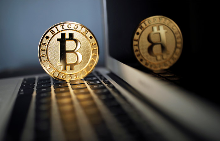 Курс биткойна превысил отметку в $9000 впервые более чем за год
