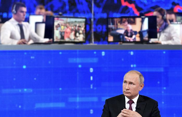 """""""Прямая линия"""" Путина продлилась больше четырех часов"""