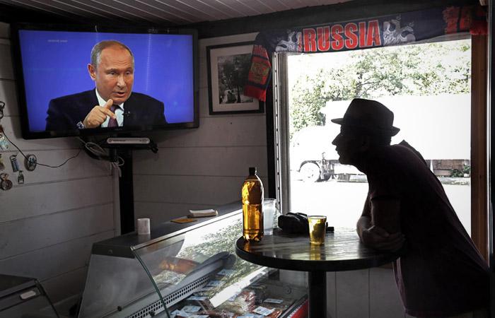 """Путин чуть не забыл вопрос про """"суверенный интернет"""" из-за шаурмы"""