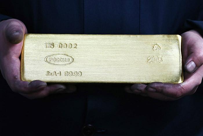 Золото подорожало до максимумов сентября 2013 года