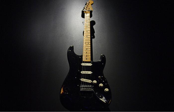Прежний участник группы Pink Floyd Дэвид Гилмор реализовал нааукционе коллекцию гитар