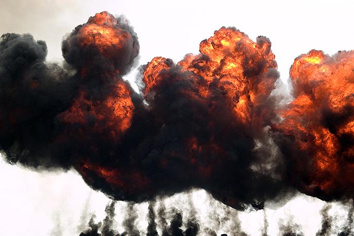 В Казахстане полностью эвакуируют город рядом с загоревшимся складом боеприпасов
