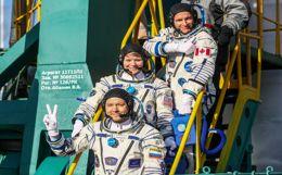 """Корабль """"Союз МС-11"""" с тремя космонавтами приземлился в Казахстане"""