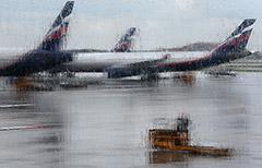 """Дождь затопил дорогу к аэропорту """"Шереметьево"""""""