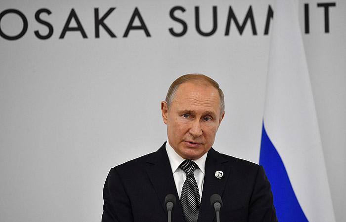 Путин назвал деловой и прагматичной встречу с Трампом