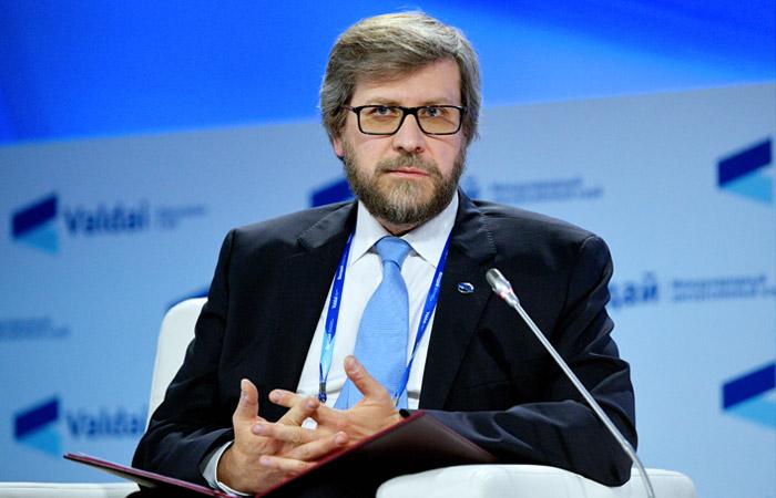Федор Лукьянов: политика лавирования себя исчерпала