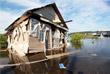 Жилой дом на трассе Р-255 в районе разлива реки Ия в Тулуне