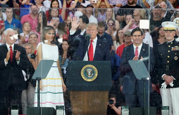 """Трамп в 45-минутной речи в День независимости назвал США """"сильнейшей нацией"""""""