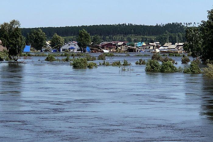 Пропавшие в зоне наводнения 30 жителей Иркутской области найдены живыми