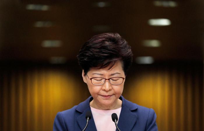 Власти Гонконга полностью отказались от спорных поправок к закону об экстрадиции