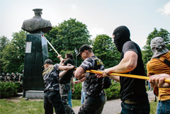 В Харькове восстановили бюст Жукова