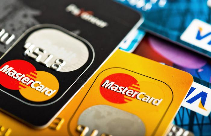 ЦБ опроверг сообщения об угрозе ухода Visa и MasterCard из России