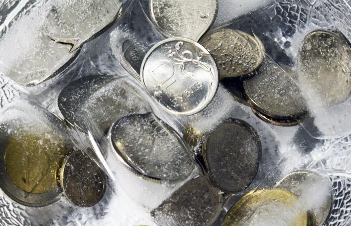 """""""Заморозку"""" накопительной части пенсии продлят еще на год (+)"""