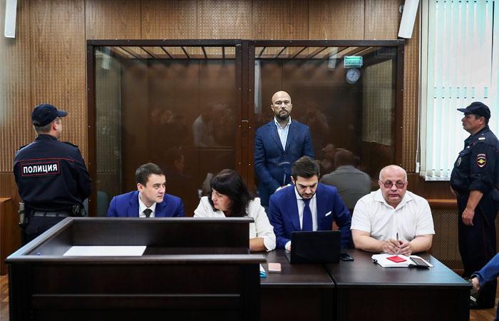 Антипинский НПЗ пожаловался в полицию на прежнего владельца и гендиректора
