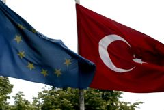 В ЕС приняли меры воздействия на Турцию из-за бурения кипрского шельфа