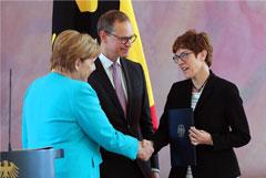 Новую главу Минобороны Германии сочли возможной преемницей Меркель