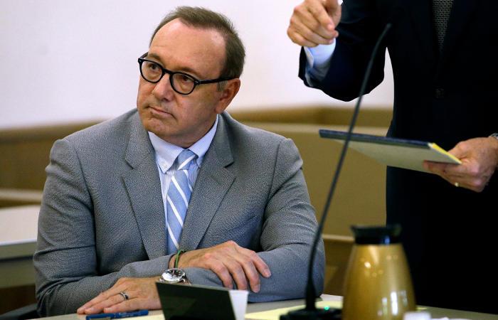 Прокуроры закрыли дело Кевина Спейси о домогательствах
