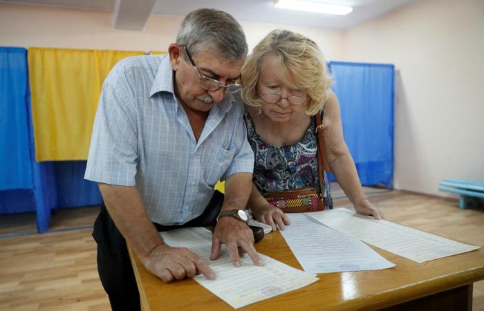 На выборах в парламент Украины к полудню проголосовали 19,2% избирателей