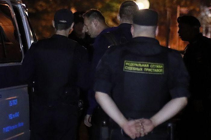 Навальный получил 30 суток ареста из-за призыва к участию в несанкционированной акции