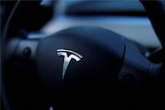 Акции Tesla рухнули из-за убытка во II квартале