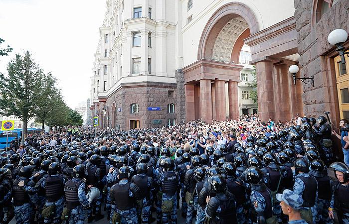 Полиция насчитала около 3,5 тыс. человек на акции оппозиции в Москве