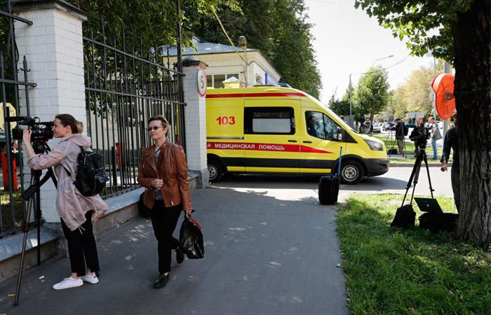 Навального выписали из больницы и вернули в спецприемник