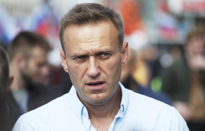 Защита Навального попросила Мосгорсуд отпустить его из-под ареста и прекратить дело
