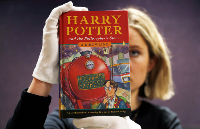 """Первое издание """"Гарри Поттера"""" продано на аукционе за $34 тысяч"""