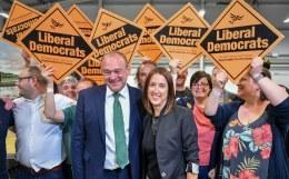 Консерваторы едва не лишились большинства в британском парламенте