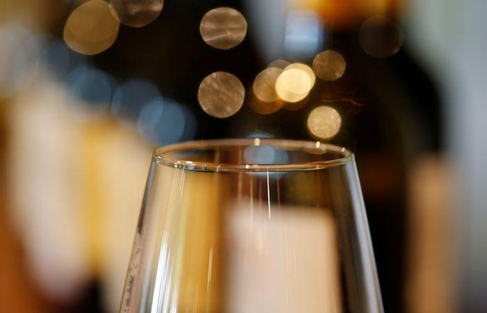 Во Франции назвали самое дорогое в мире вино