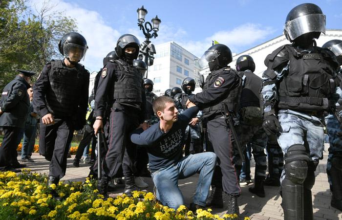 20 человек арестованы и 30 оштрафованы в Москве за несанкционированную акцию 3 августа