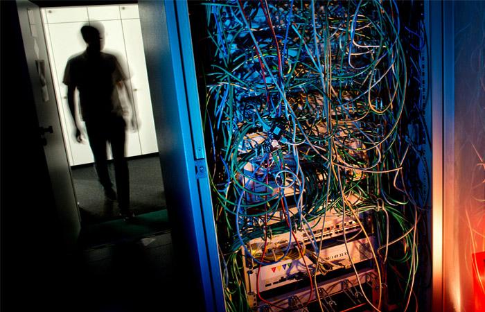 Структура ФСБ получила право требовать блокировок сайтов
