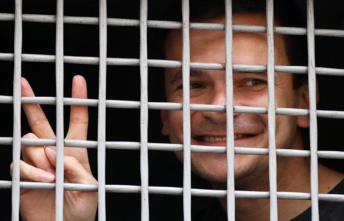 Илья Яшин получил очередные 10 суток ареста