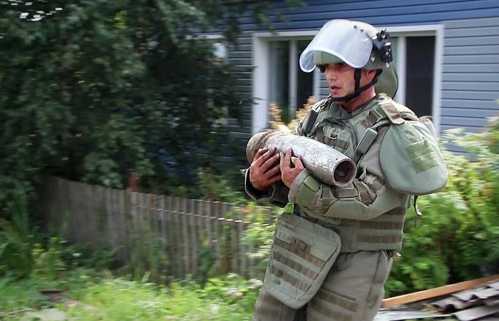 Под Ачинском после попадания молнии снова начали взрываться боеприпасы