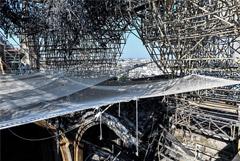 В Нотр-Даме до сих пор не справились с угрозой обрушения собора