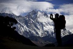 Непал ужесточит требования к желающим подняться на Эверест