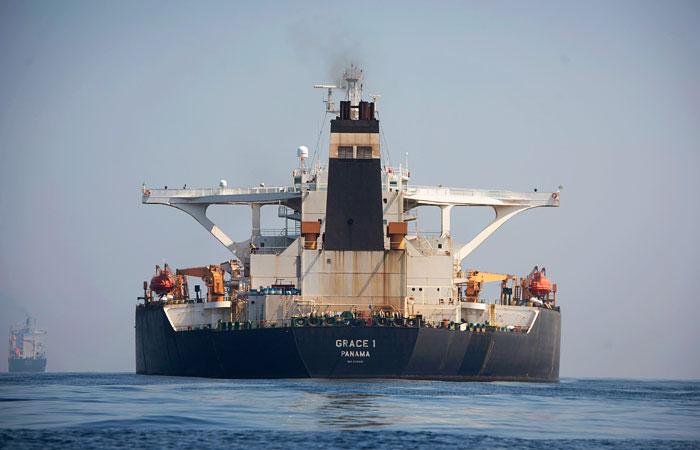 Уктранснафта розвантажує четвертий танкер нафти для Білорусі