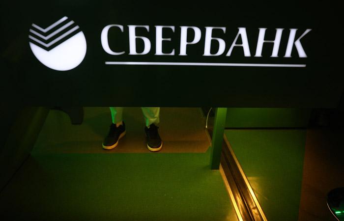 Сбербанк позволит клиентам платить в магазинах отпечатком пальца