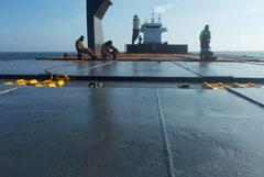 Пираты похитили восемь из 12 членов экипажа судна, захваченного вблизи Камеруна